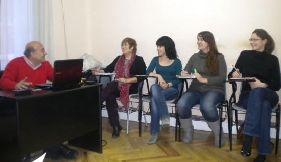 Alumnos en una clase de árabe en la Academia Al Quds de Madrid / Foto: M. Á. M.